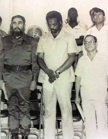 Fidel Castro with Jesse Jackson and Raúl Suárez, June 1984.